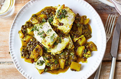 Haddock and lentil stew with green salsa