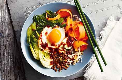 This street food favourite from Korea is an exciting bowl full of flavour. Rice, spiced mince and fresh veg are topped with a crispy fried egg and drizzle of spicy dressing before being all stirred together when eating