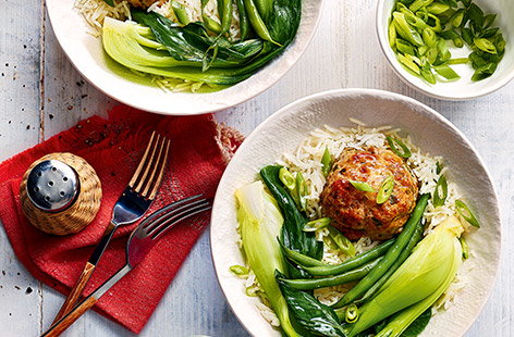 Chinese lion's head pork meatballs