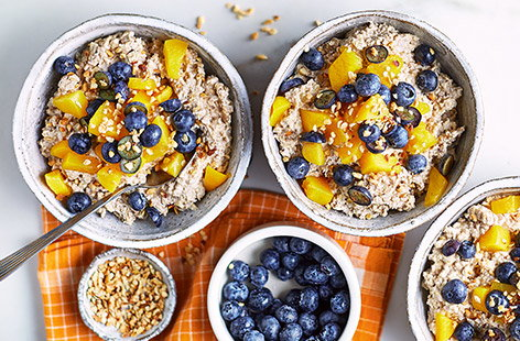 Peach, ginger and blueberry overnight oats