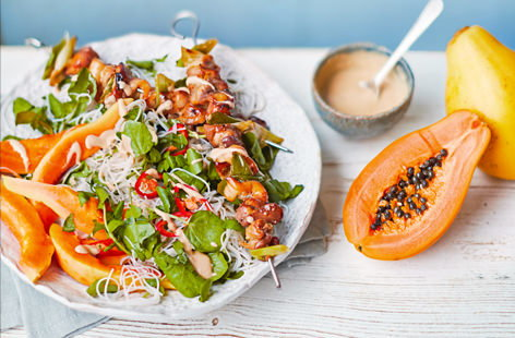 Caramelised chicken and papaya satay noodles