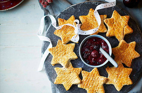 Spiced scone stars with berry compote