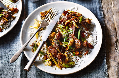 This speedy dinner for two recipe is the perfect healthy homemade alternative to a classic takeaway. With a spicy Szechuan peppercorn and chilli sauce, this stir-fried beef recipe is packed with flavour, high in protein and dairy-free.