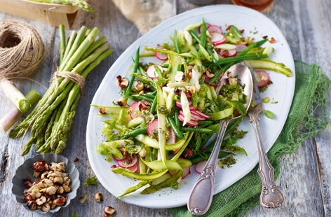 Asparagus and radish salad with green chilli and ginger dressing