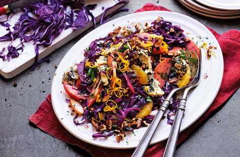 Red cabbage, pecan and blue cheese salad