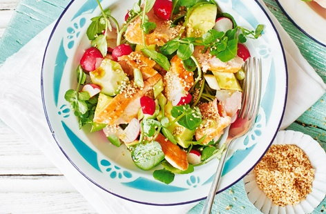 Japanese-style salmon and avocado salad