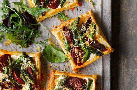 These savoury tarts are so simple to make and packed full of spring flavour. Golden, light-as-air pastry topped with smoky chorizo, nutty asparagus and creamy Manchego – baking in the oven makes these beautiful bites gorgeously gooey