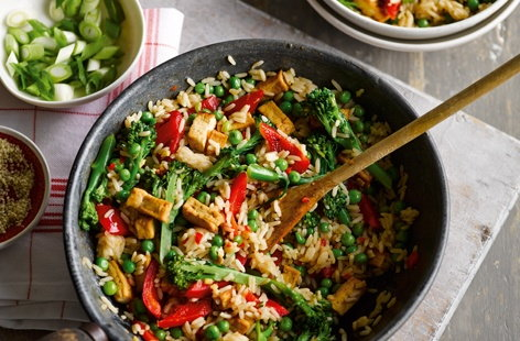 You can be tucking into this loaded stir-fry of veggies, rice and gorgeous Asian flavours, in just 15 minutes. This super easy recipe gives a delicious vegetarian dinner which is ideal for when time is short