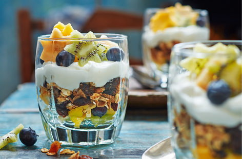Starry muesli yogurt pots
