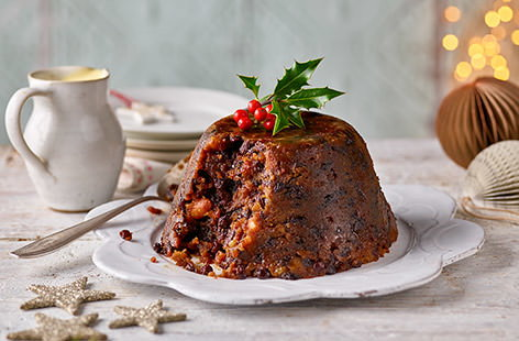Christmas Pudding On Fire.How To Light A Christmas Pudding Tesco Real Food