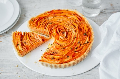 Sweet potato, thyme and Parmesan flower tart