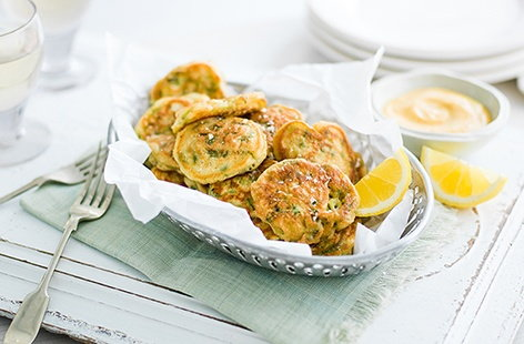 Spring onion fritters with garlic and smoked paprika mayonnaise