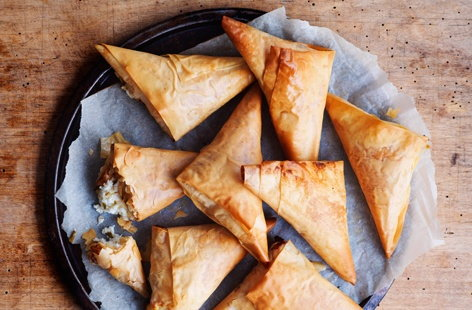 A perfect lunchbox addition, the kids will love these delicious filo pastry snacks crammed-full with tasty Cheddar cheeseThese delicious filo pastry triangles are crammed with smooth Cheddar and creamy ricotta cheese and make for a super simple kids' lunch