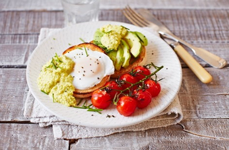 Try our fresh take on classic eggs Benedict with this delightful vegetarian recipe. Instead of a classic rich hollandaise, it's served with a flavour-packed green sauce made using cashew nuts, fresh herbs and lemon juice
