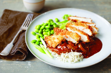 Unlike other curry recipes, Japanese katsu uses fried breaded chicken, giving it a satisfyingly crunchy texture combined with a sweet punchy sauce