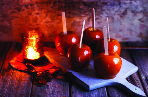 Salted caramel toffee apples