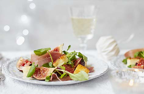 Halloumi, Serrano ham and figs come together beautifully in this wintery starter complemented by a dressing that combines fiery chilli and sweet honey. This fuss-free Christmas starter can be ready in just 20 minutes, leaving you more time to relax