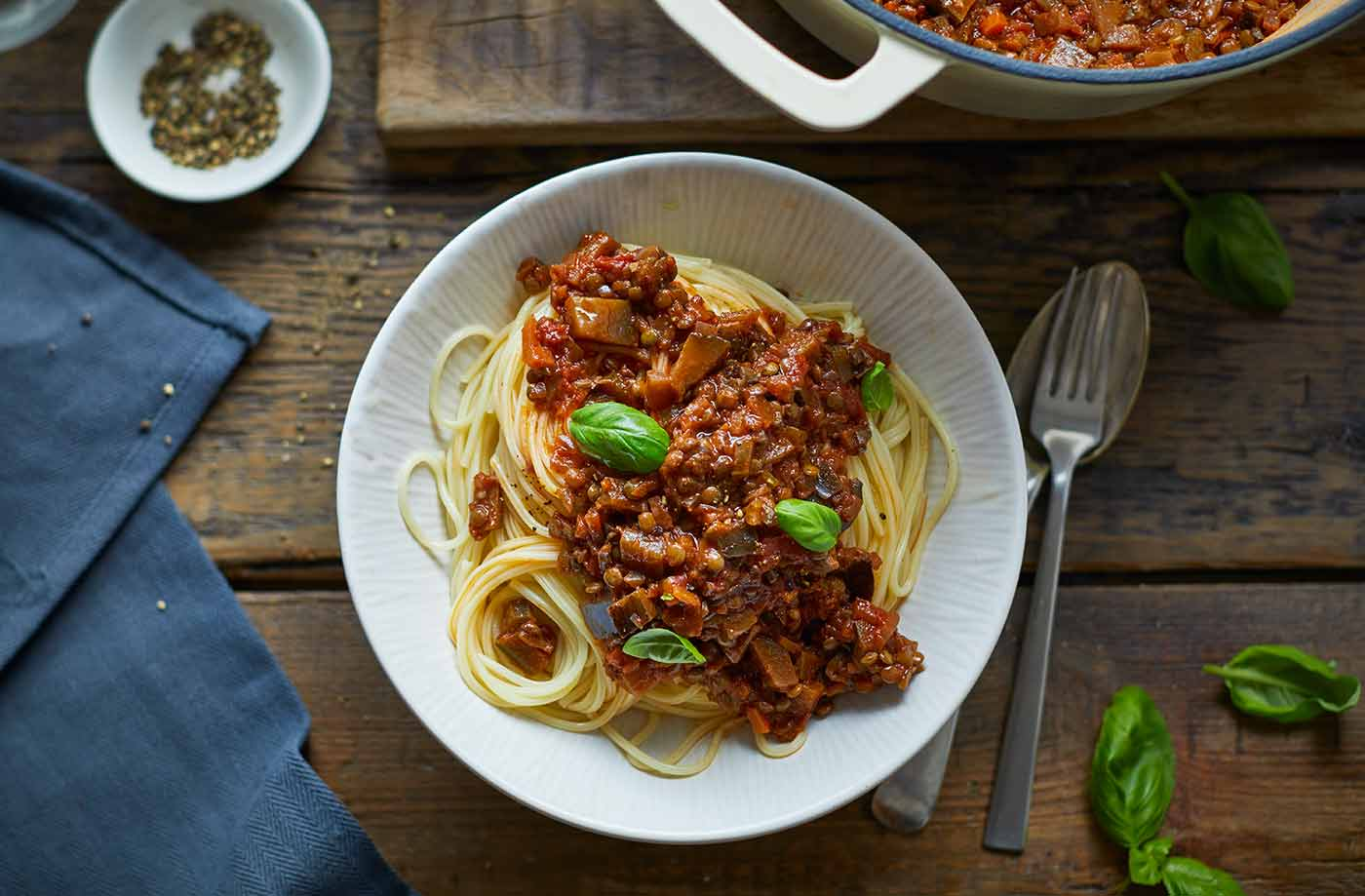 Vegan bolognese vegan dinner ideas tesco real food forumfinder Gallery