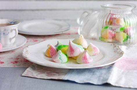These pretty little rainbow coloured meringues are sure to put a smile on your mum's face this Mother's Day
