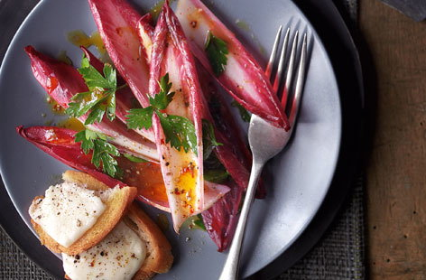 Red chicory salad with mozzarella toasts and lemon anchovy dressing THUMB