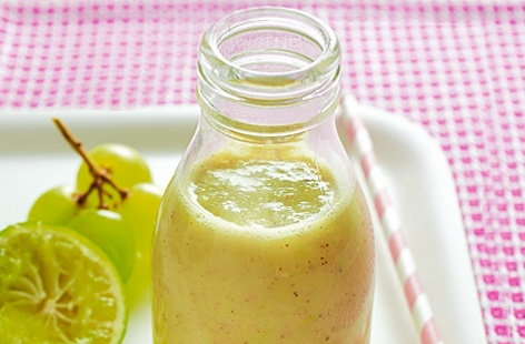 Refreshing kiwi fruit, apple, grape and lime THUMB