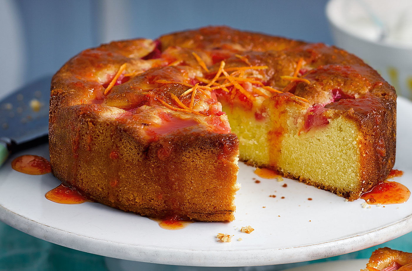 Rhubarb, yogurt and clementine cake