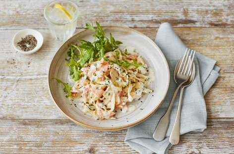 Creamy smoked salmon and lemon pasta