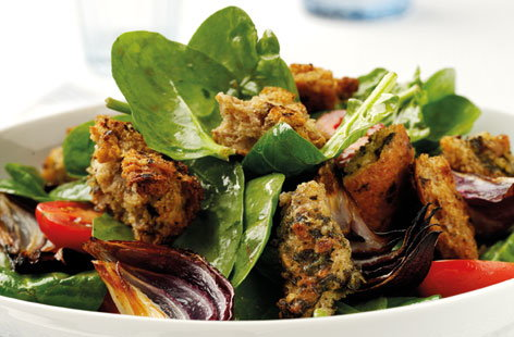 Salad with Wholegrain Pesto Croutons (h)