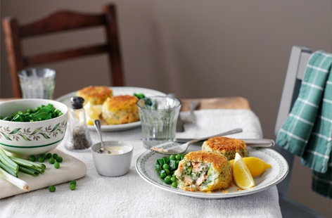 Salmon fishcakes with horseradish cream recipe