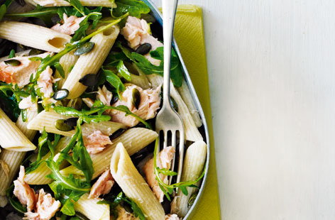 Salmon and rocket pasta salad (H)