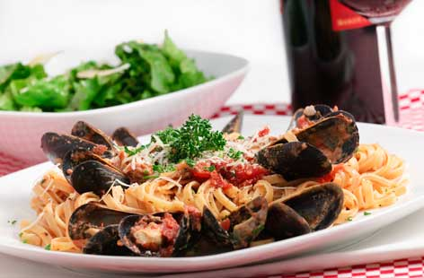 Seafood linguine hero