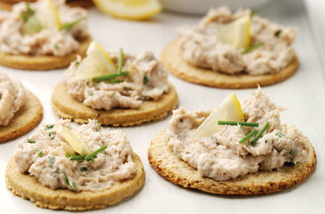 Smoked mackerel pate and oatcakes