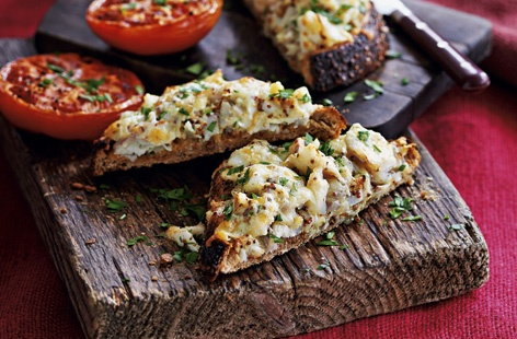 Smoked haddock rarebit with grilled tomatoes recipe