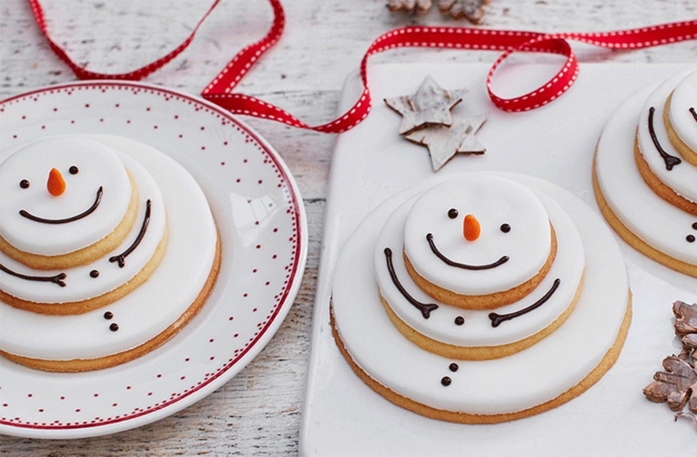Stacking snowmen biscuits recipe