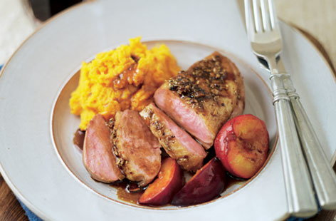 Soy basted spicy duck breasts with plums THUMB