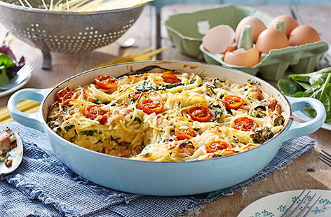 Have fun with the kids and make this savoury cake out of spaghetti!