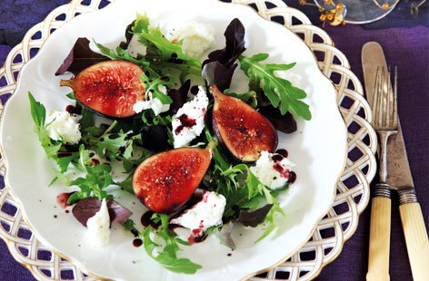 Spiced figs  with mozzarella HERO