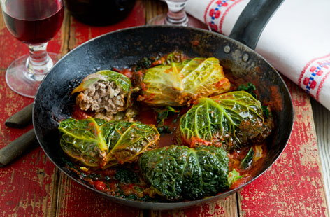 Stuffed cabbage rolls (h)