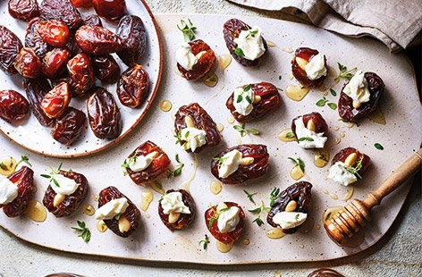 Stuffed dates with goat