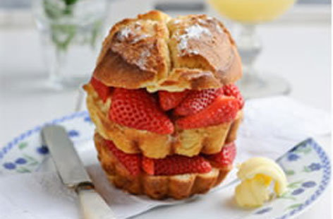 Sweet Eve Strawberry and Vanilla Brown Sugar Toasted Brioche Sandwich (t)