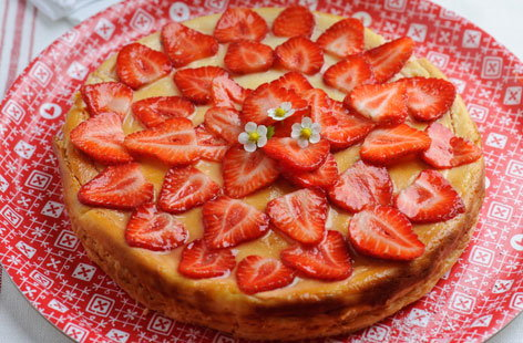 Sweet Eve strawberry ricotta and lemon thyme cheesecake (h)