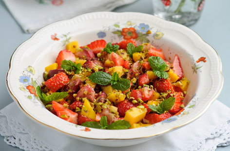 Sweet Eve strawberry tropical fruit salad (t)