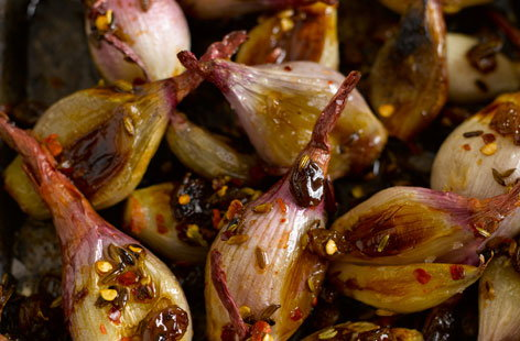 Sweet and sour roasted shallots with raisins  fennel seeds and chilli thumbnail f8b0a3a4 73e4 482c b3fc ef820bc0229f 0 146x128