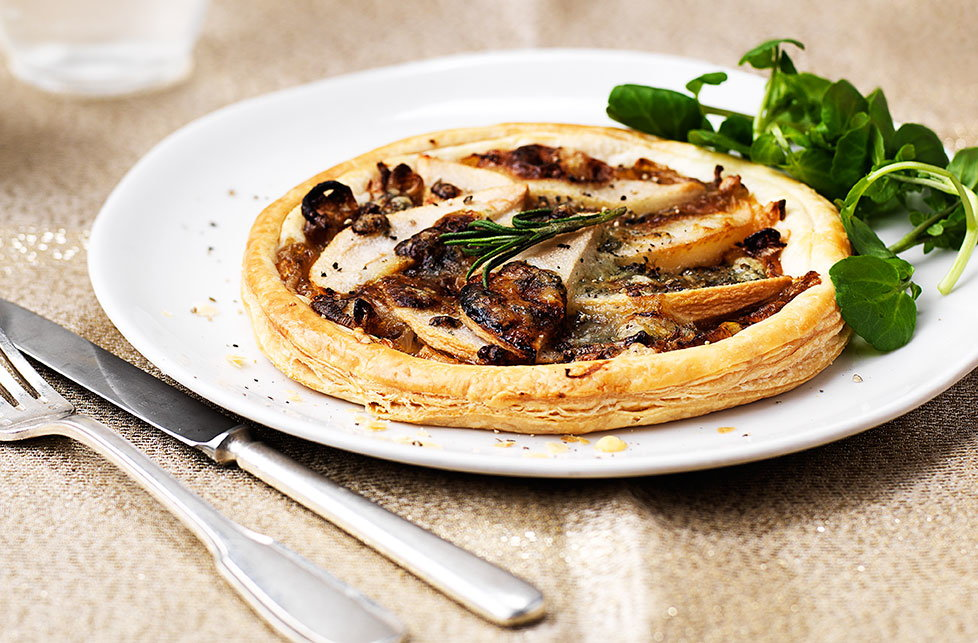 Cold Starter Ideas For A Dinner Party Part - 15: Stilton, Pear And Caramelised Shallot Tartlets