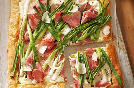 This rustic spring onion and ham tart is light and perfect for packing away in a lunchbox