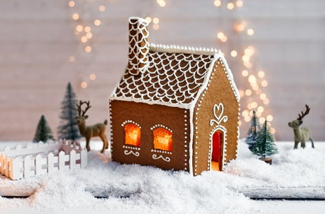 This dainty, pretty Swedish-style gingerbread house is so charming you'll want it to last all season long