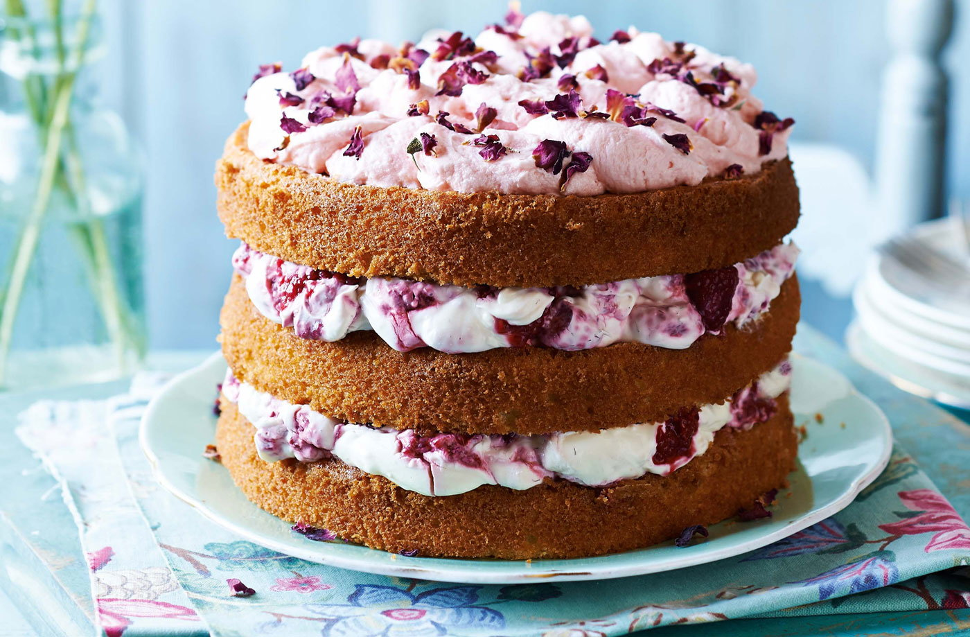 tesco wedding cakes 2018 raspberries amp cake s day cakes tesco real 20805