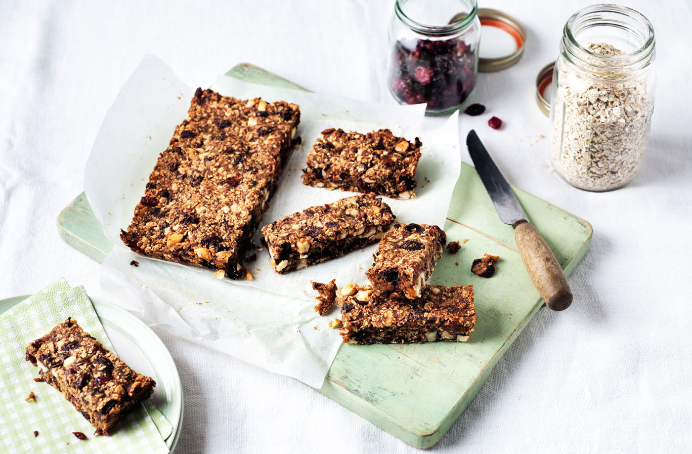 Fruity granola bar recipe