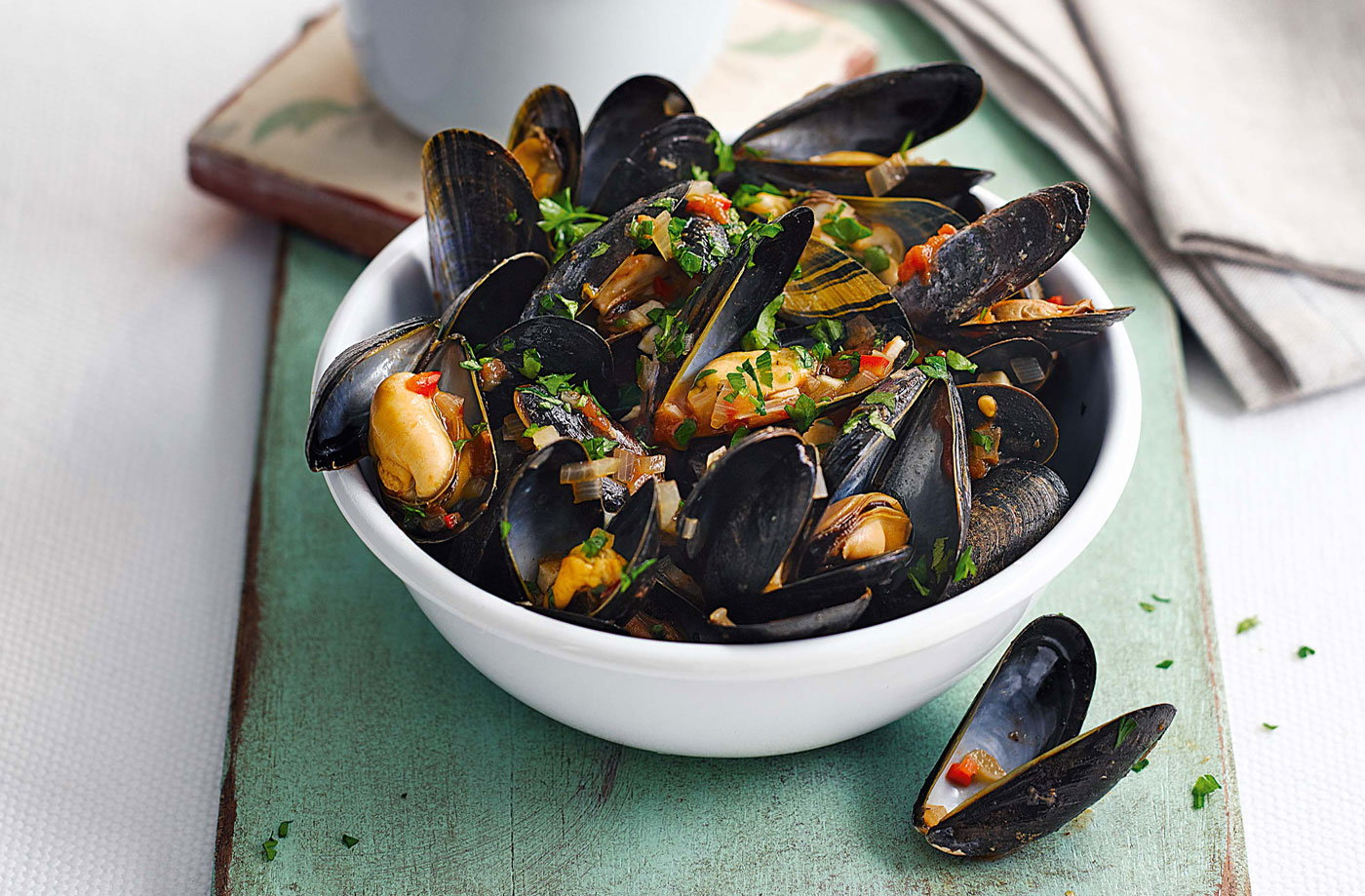 Chilli mussels and chips
