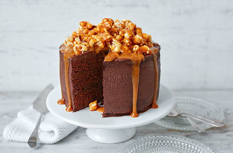 salted caramel chocolate cake chocolate popcorn and salted caramel cake tesco real food 7241
